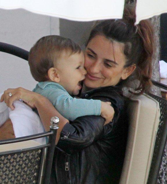 Penelope Cruz z dzieckiem
