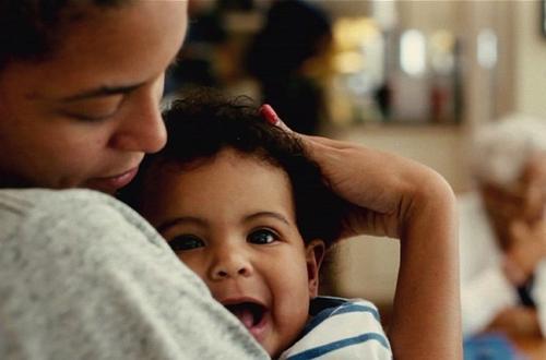 Szczęśliwa mama Beyonce