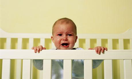 niemowlę płacze w nocy