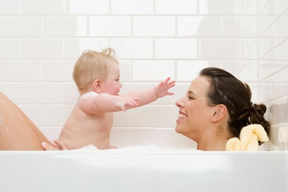 Kąpiel z niemowlakiem