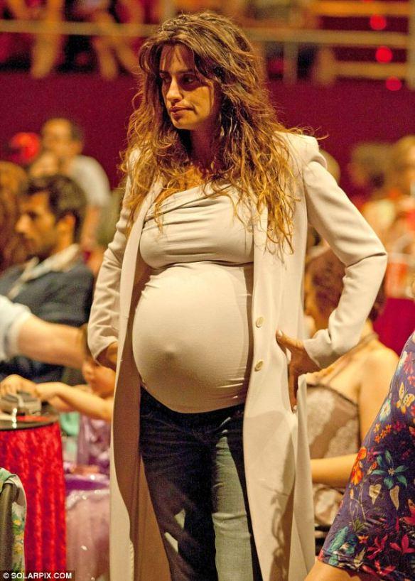 Piękna Penelope Cruz w ciąży