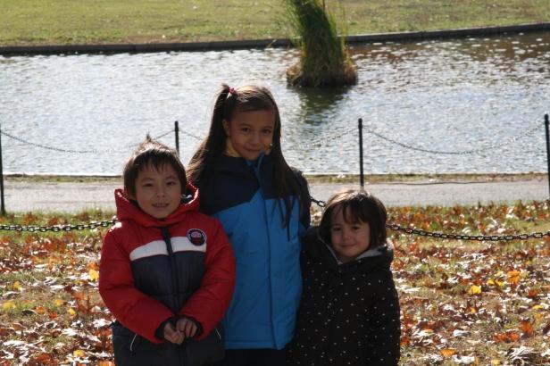 Konrad, Kalinka, Amelia na spacerze w Waszyngtonie