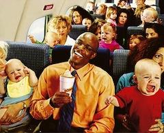 dziecko w samolocie