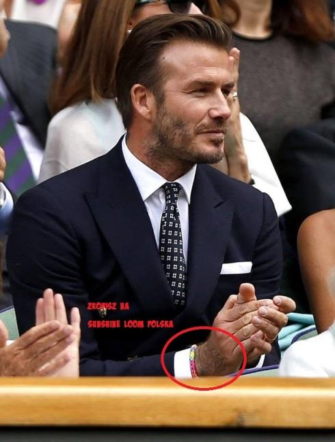 David Beckham w bransoletce z gumeczek.