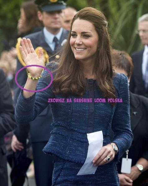 Księżna Kate w bransoletce z gumeczek